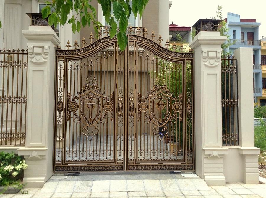 Cổng và cửa chính đối diện nhau