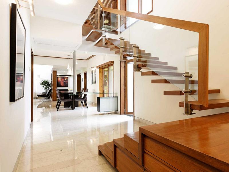 Mẫu cầu thang gỗ đẹp mang lại cho ngôi nhà một phong cách khác nhau.