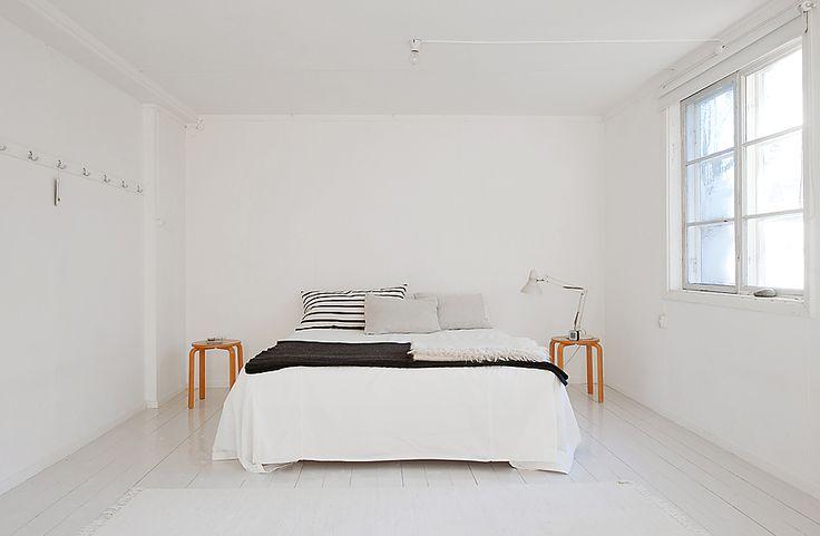 Phòng ngủ tối giản gọn gàng