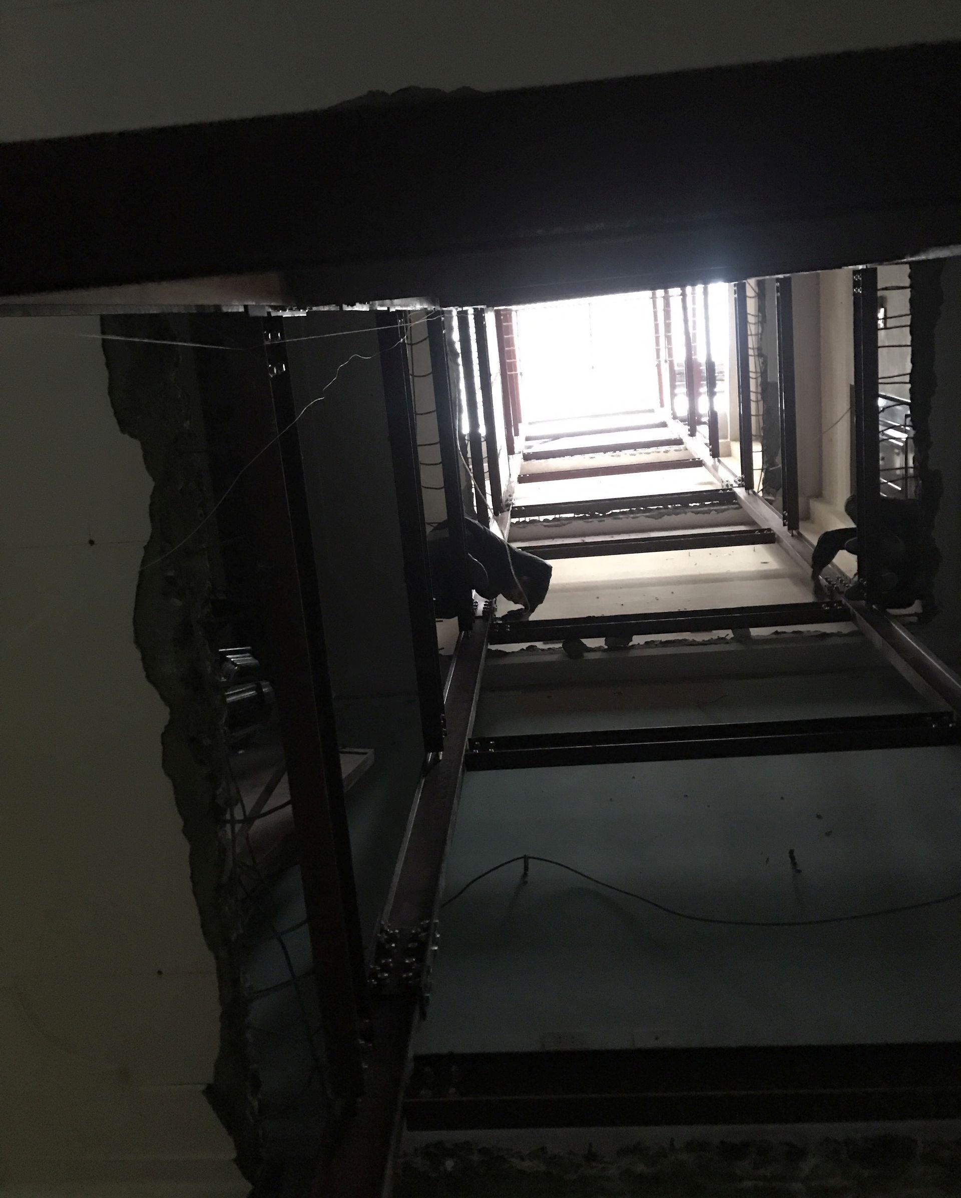 Lắp đặt khung thang máy từ tầng 1 lên tầng 8 cho nhà Anh Đăng 2