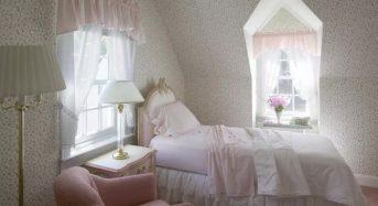 Nên hay không nên đặt đầu giường sát cửa sổ?