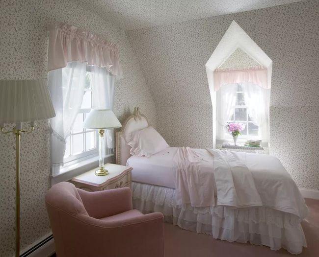 Nên hay không nên đặt đầu giường sát cửa sổ? 2